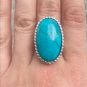 🌈 Handcrafted Turquoise Gemstone Ring